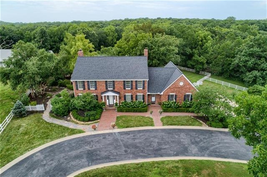 Real Estate Photography - 17704 S Rolling Hills Rd, Belton, MO, 64012 - Location 3