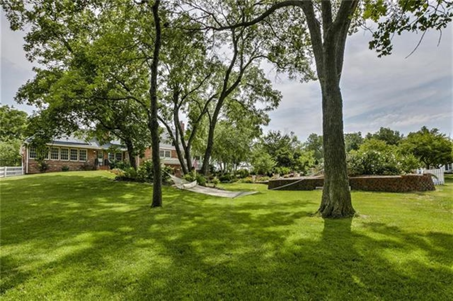 Real Estate Photography - 17704 S Rolling Hills Rd, Belton, MO, 64012 - Location 10