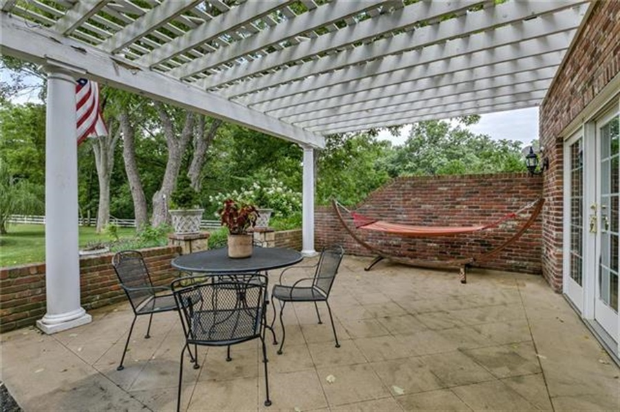 Real Estate Photography - 17704 S Rolling Hills Rd, Belton, MO, 64012 - Location 11