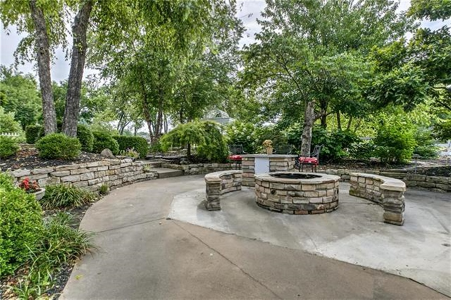 Real Estate Photography - 17704 S Rolling Hills Rd, Belton, MO, 64012 - Location 12