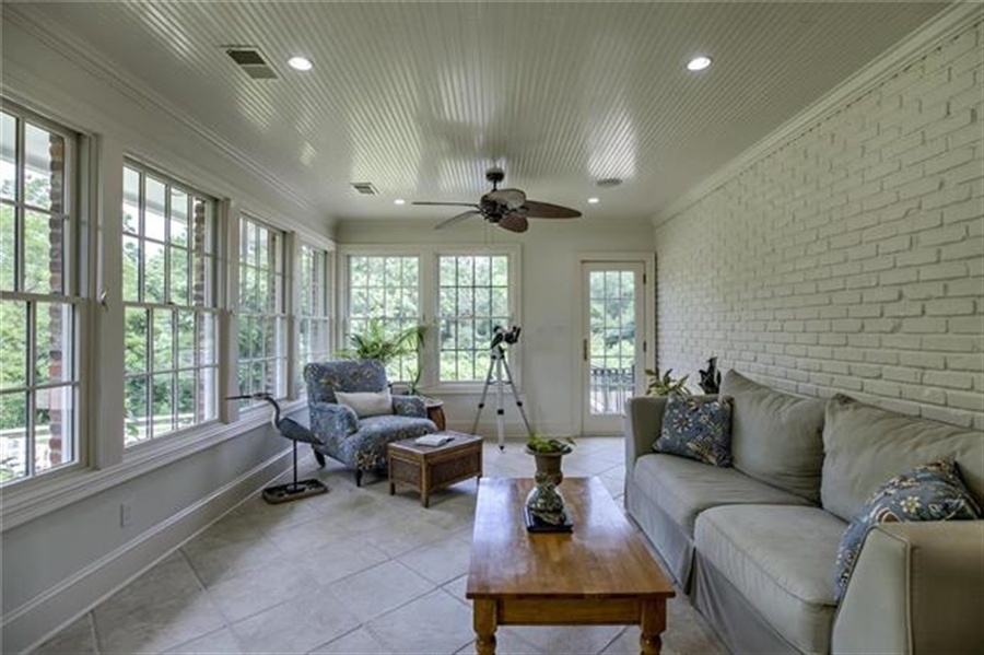Real Estate Photography - 17704 S Rolling Hills Rd, Belton, MO, 64012 -