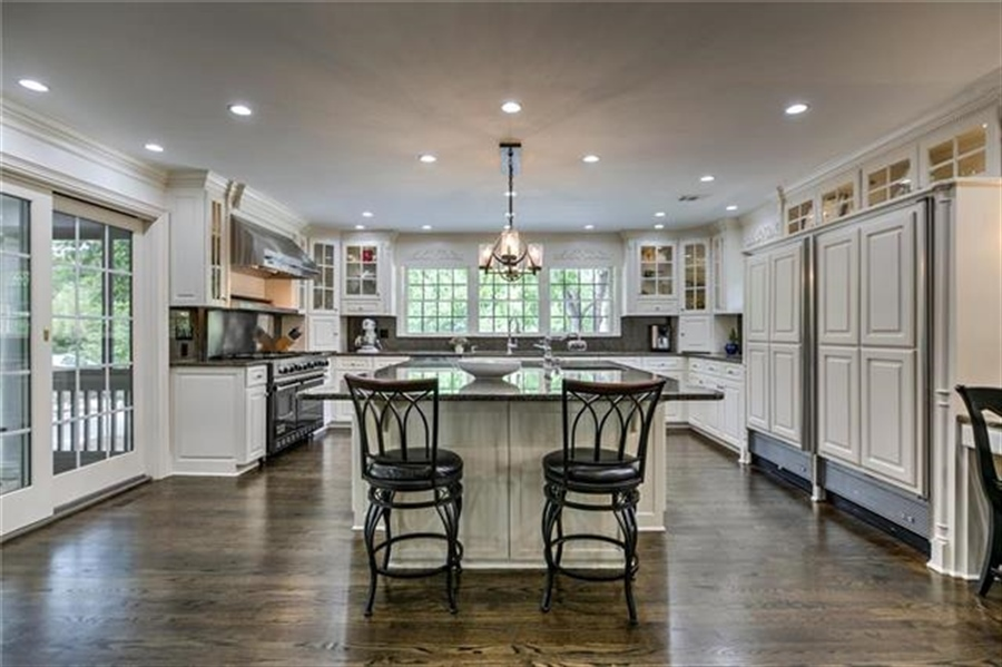 Real Estate Photography - 17704 S Rolling Hills Rd, Belton, MO, 64012 - Location 20
