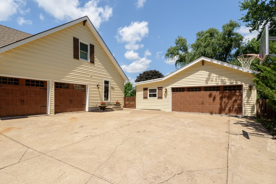 Real Estate Photography - 16401 Riggs Rd, Stilwell, KS, 66085 -