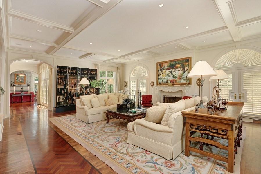 Real Estate Photography - 11521 Pawnee Circle, Leawood, KS, 66211 - Living Room