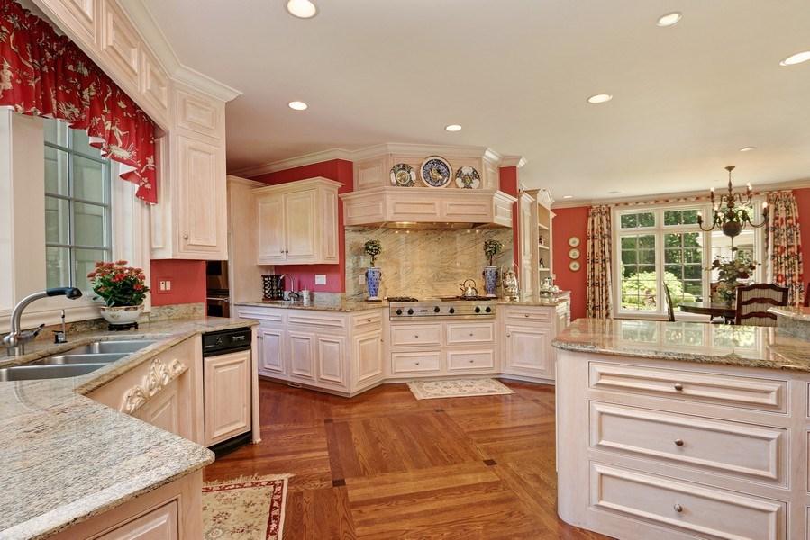 Real Estate Photography - 11521 Pawnee Circle, Leawood, KS, 66211 - Kitchen / Breakfast Room