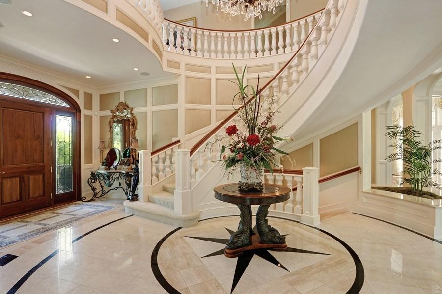 Real Estate Photography - 11521 Pawnee Circle, Leawood, KS, 66211 - Foyer
