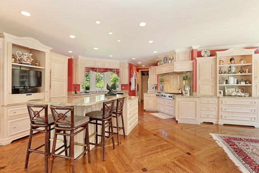 Real Estate Photography - 11521 Pawnee Circle, Leawood, KS, 66211 - Kitchen