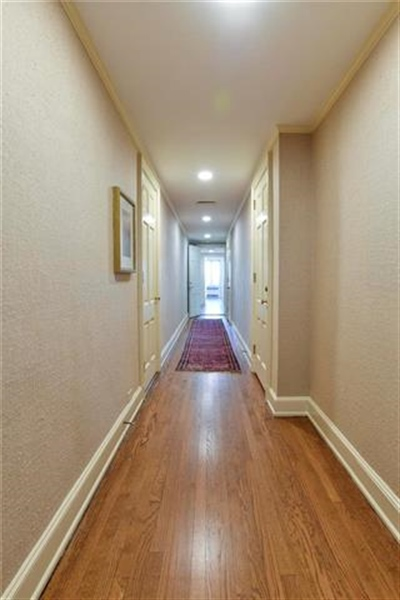 Real Estate Photography - 5049 Wornall Rd, Unit 7Ab, Kansas City, MO, 64112 - Location 15