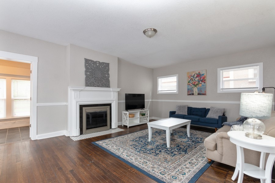Real Estate Photography - 3347 Gillham Road, Kansas City, MO, 64109 - Living Room
