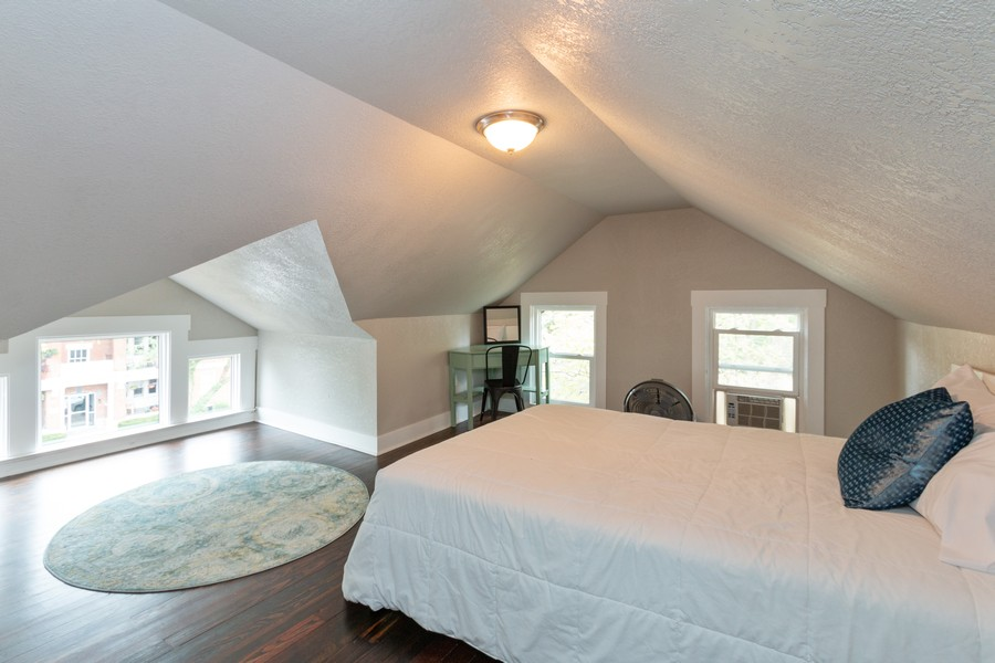 Real Estate Photography - 3347 Gillham Road, Kansas City, MO, 64109 - 3rd Level