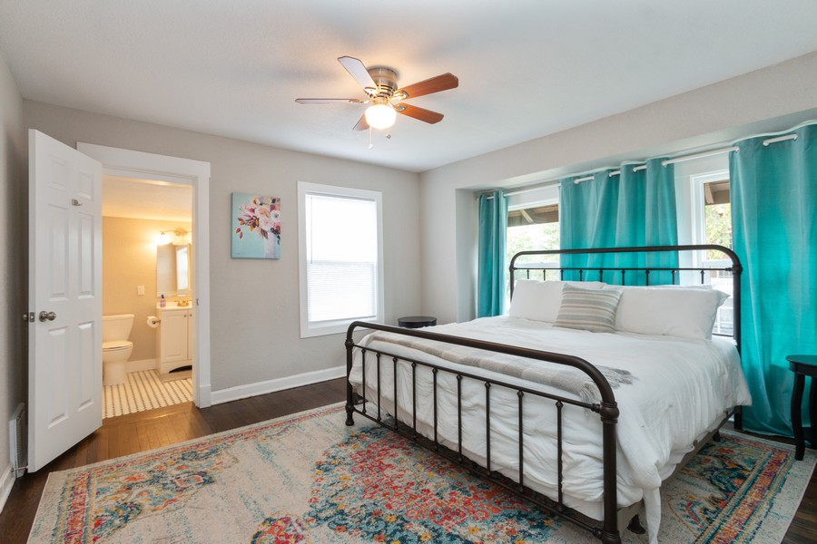 Real Estate Photography - 3347 Gillham Road, Kansas City, MO, 64109 - Guest Bedroom