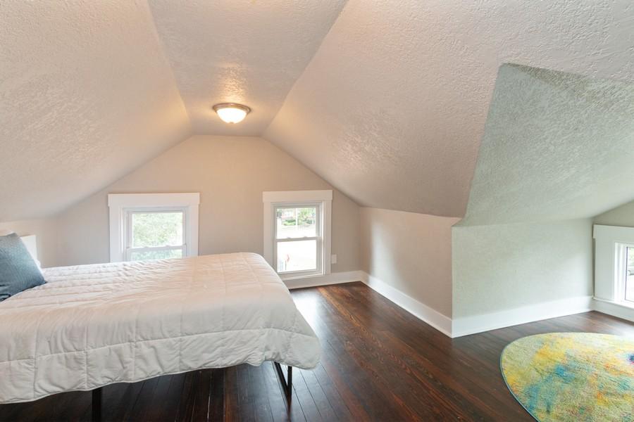 Real Estate Photography - 3347 Gillham Road, Kansas City, MO, 64109 -