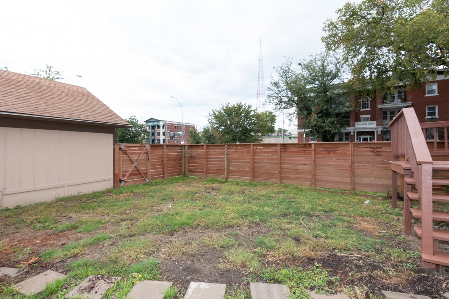 Real Estate Photography - 3347 Gillham Road, Kansas City, MO, 64109 - Back Yard