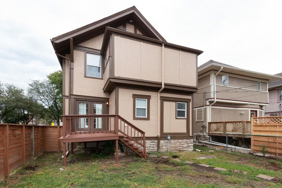 Real Estate Photography - 3347 Gillham Road, Kansas City, MO, 64109 - Rear View