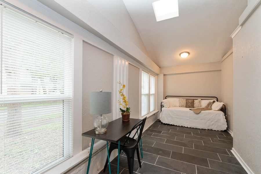 Real Estate Photography - 3347 Gillham Road, Kansas City, MO, 64109 - Sun Room