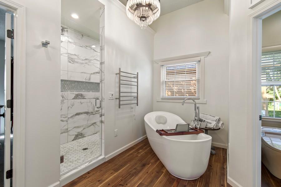 Real Estate Photography - 10404 W. 131st ter, Overland Park, KS, 66210 - Master Bathroom