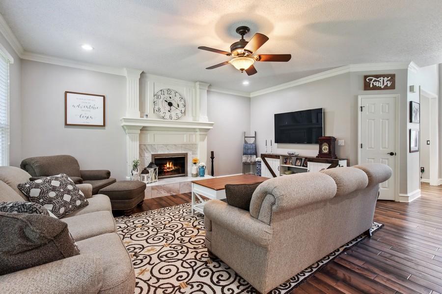Real Estate Photography - 10404 W. 131st ter, Overland Park, KS, 66210 - Living Room