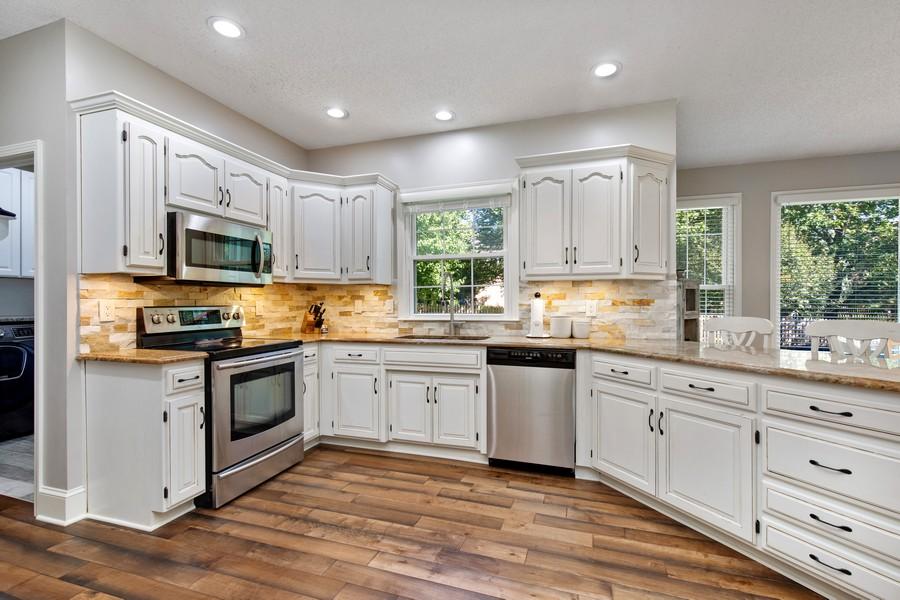 Real Estate Photography - 10404 W. 131st ter, Overland Park, KS, 66210 - Kitchen