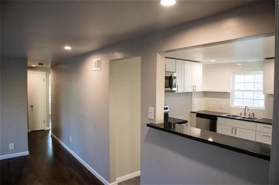 Real Estate Photography - 9100 Holmes Rd, Kansas City, MO, 64131 - Location 4
