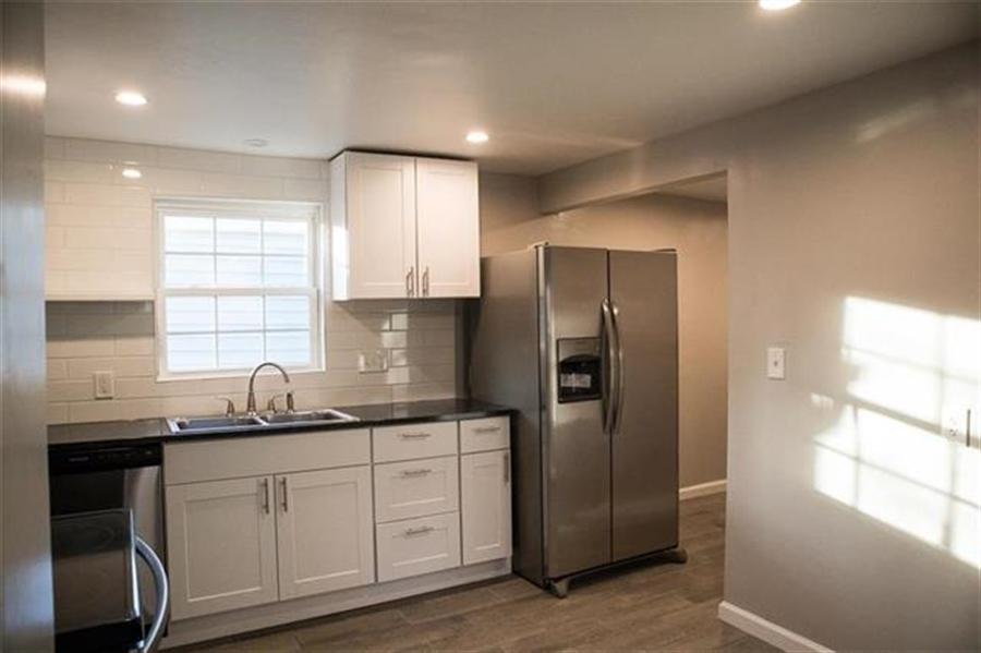 Real Estate Photography - 9100 Holmes Rd, Kansas City, MO, 64131 - Location 6