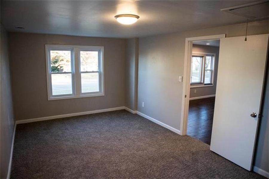 Real Estate Photography - 9100 Holmes Rd, Kansas City, MO, 64131 - Location 9