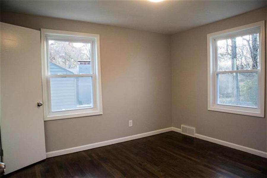 Real Estate Photography - 9100 Holmes Rd, Kansas City, MO, 64131 - Location 14