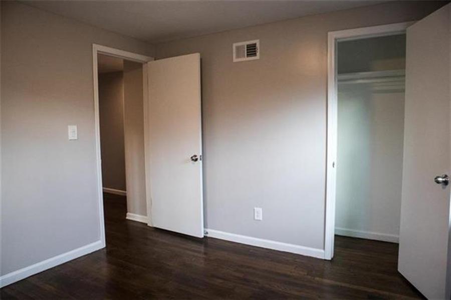 Real Estate Photography - 9100 Holmes Rd, Kansas City, MO, 64131 - Location 15