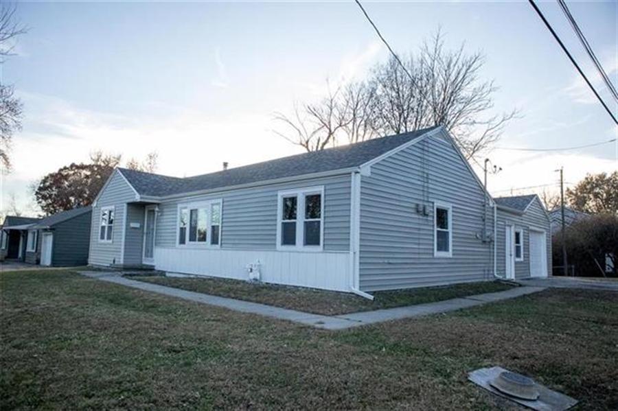 Real Estate Photography - 9100 Holmes Rd, Kansas City, MO, 64131 - Location 18