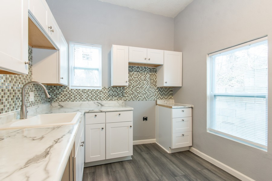Real Estate Photography - 610 St Louis Ave, Excelsior Springs, MO, 64024 - Kitchen