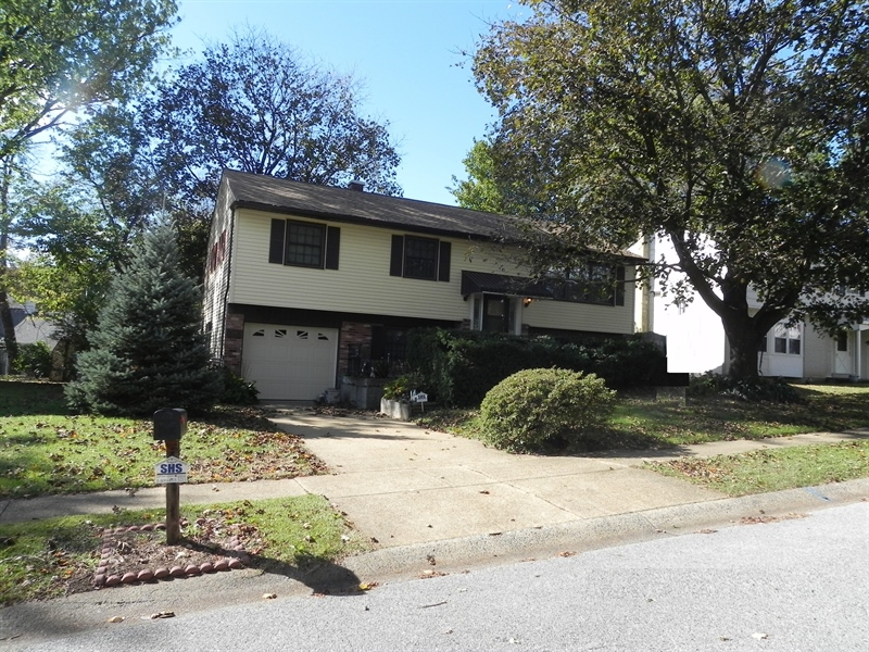 Real Estate Photography - 1004 Lawndale Rd, Wilmington, DE, 19810 - Location 1