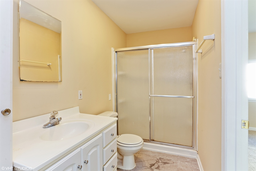 Real Estate Photography - 2422 Calf Run Dr, Wilmington, DE, 19808 - Full Bath Main Level