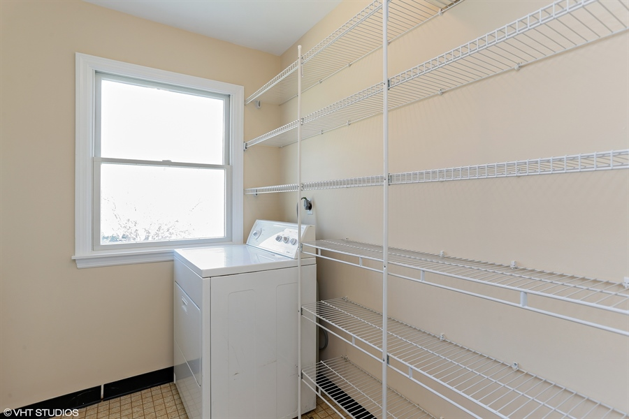 Real Estate Photography - 2422 Calf Run Dr, Wilmington, DE, 19808 - Laundry Upper Level