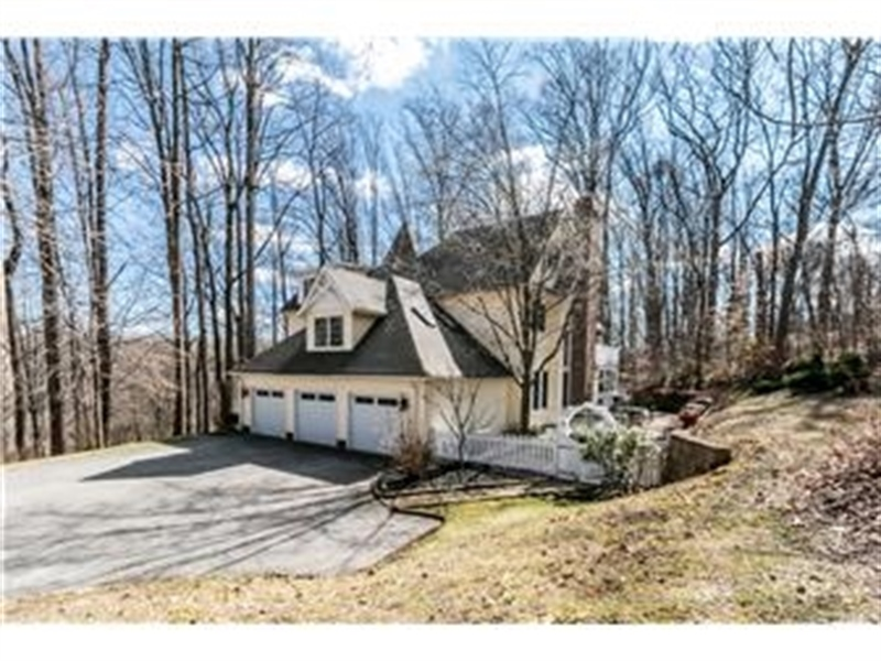 Real Estate Photography - 3495 Montchanin Rd, Greenville, DE, 19807 - Side View of Home