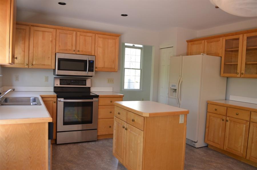 Real Estate Photography - 511 Summerbreeze Dr, Newark, DE, 19702 - Kitchen offers tons of cabinets & a center island