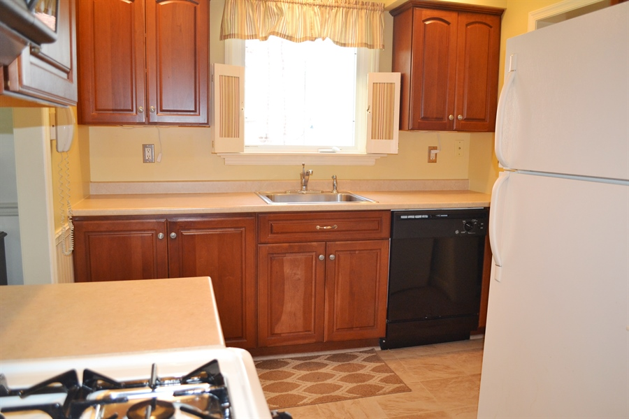 Real Estate Photography - 308 Tindall Rd, Wilmington, DE, 19805 - Kitchen is Updated
