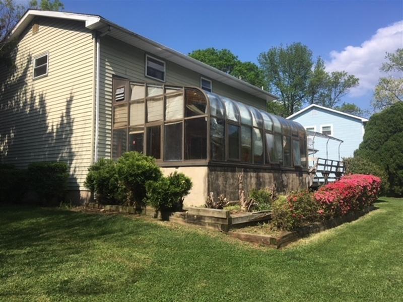 Real Estate Photography - 4747 Hogan Dr, Wilmington, DE, 19808 - Location 3
