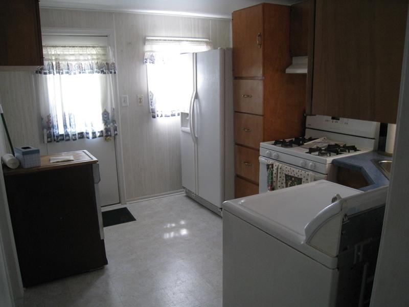 Real Estate Photography - 407 9th St, New Castle, DE, 19720 - Kit. (cont.) w/portable dishwasher