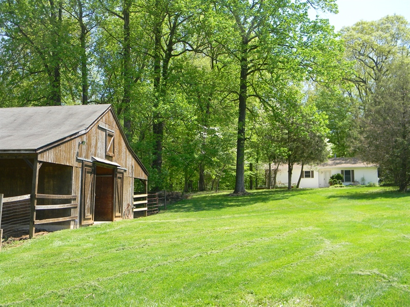 Real Estate Photography - 695 Ragan Rd, Conowingo, MD, 21918 - HOUSE AND BARN