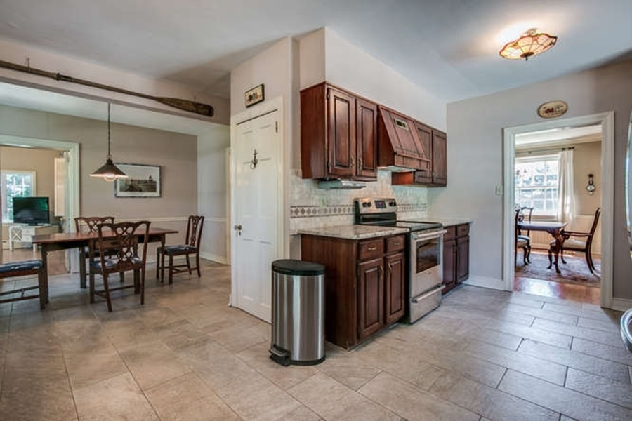 Real Estate Photography - 615 Old Wilmington Rd, Hockessin, DE, 19707 - Kitchen with Breakfast Room