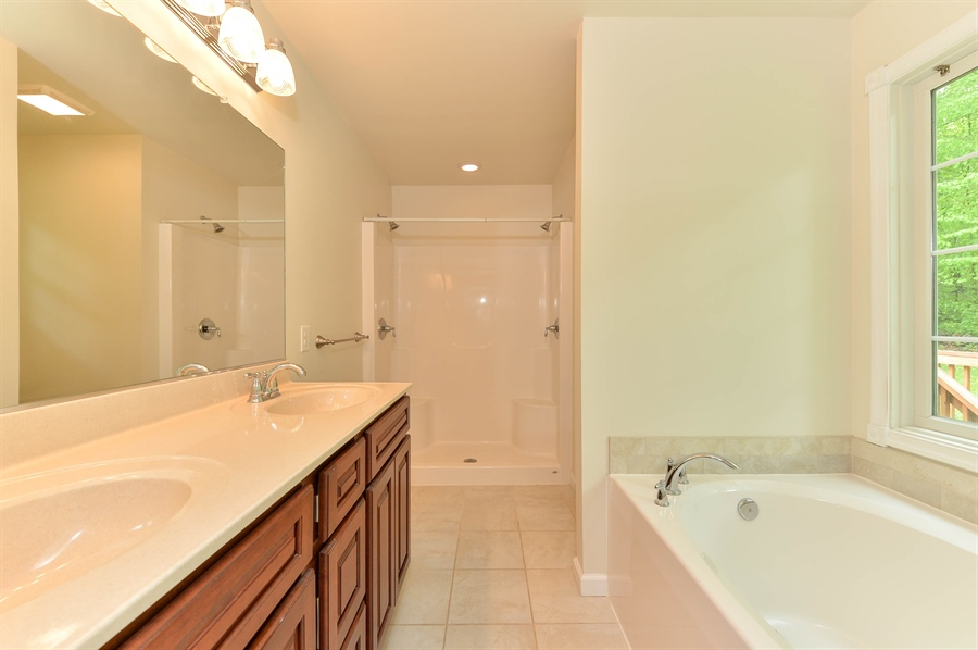 Real Estate Photography - 125 Algonquin Dr, Rising Sun, MD, 21911 - MASTER BATH, DUAL SINKS