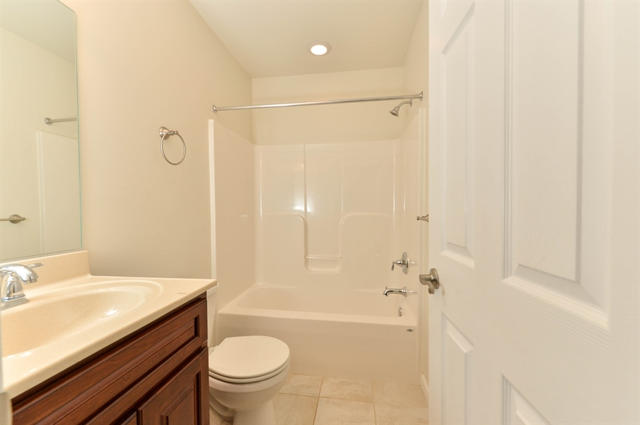 Real Estate Photography - 125 Algonquin Dr, Rising Sun, MD, 21911 - FULL LOWER LEVEL BATH