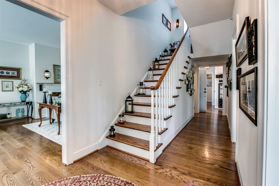 Real Estate Photography - 210 Phillips Mill Ln, Newark, DE, 19711 - Grand Formal Entry