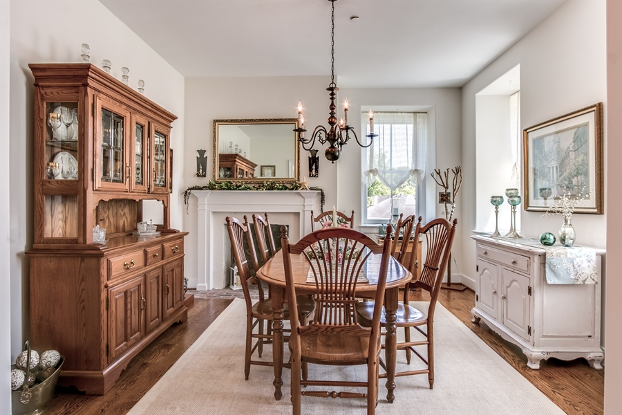 Real Estate Photography - 210 Phillips Mill Ln, Newark, DE, 19711 - Charming Dining Room