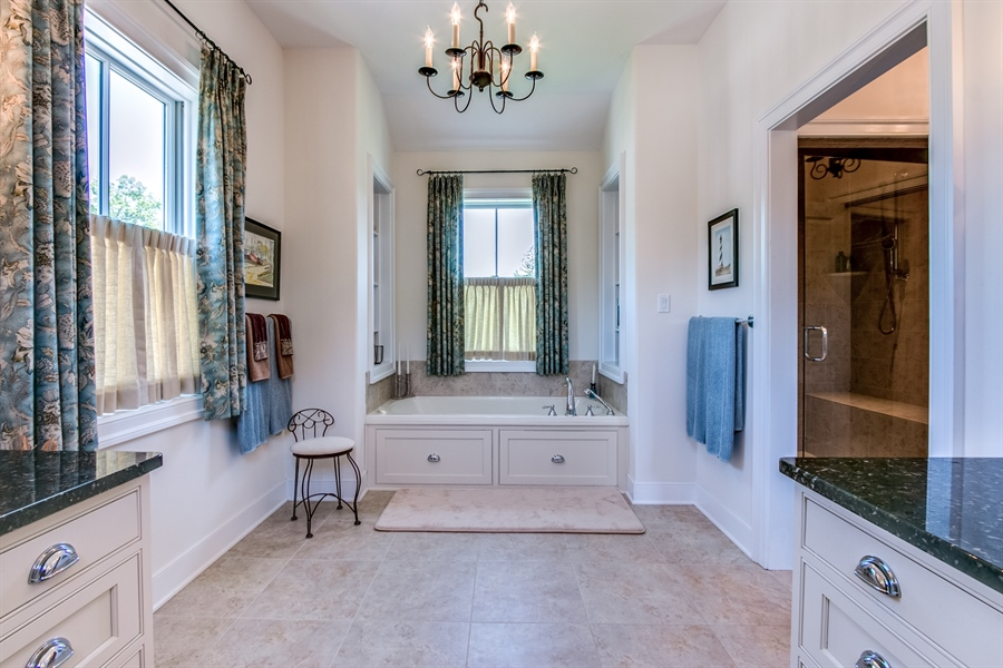 Real Estate Photography - 210 Phillips Mill Ln, Newark, DE, 19711 - Owners Bath- Spa Tub