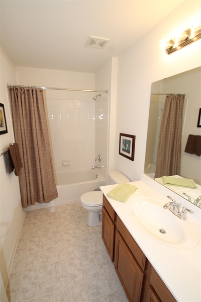 Real Estate Photography - 927 Aringa Way, Avondale, PA, 19311 - Full Bath