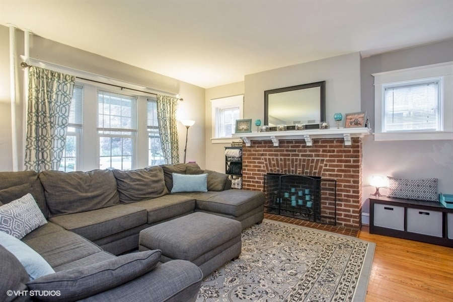 Real Estate Photography - 807 W 22nd St, Wilmington, DE, 19802 - Living area