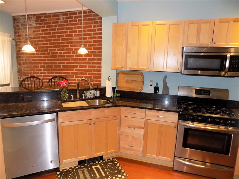 Real Estate Photography - 807 W 22nd St, Wilmington, DE, 19802 - Location 9
