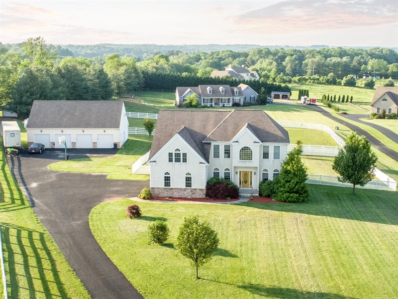 Real Estate Photography - 85 Rolling Green Ln, Elkton, MD, 21921 - Stately Colonial w/ Attached and Detached Garages