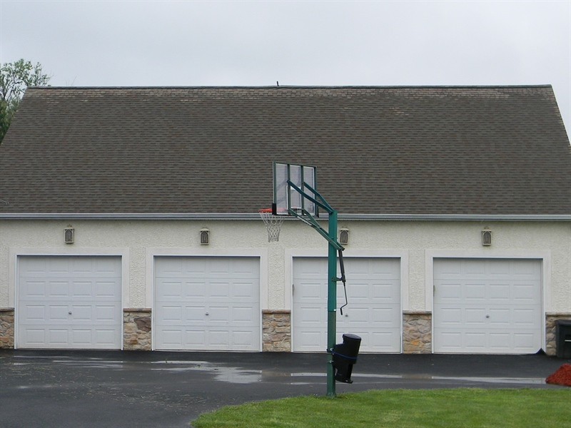Real Estate Photography - 85 Rolling Green Ln, Elkton, MD, 21921 - 4 Car Garage w/ Guest Suite Above