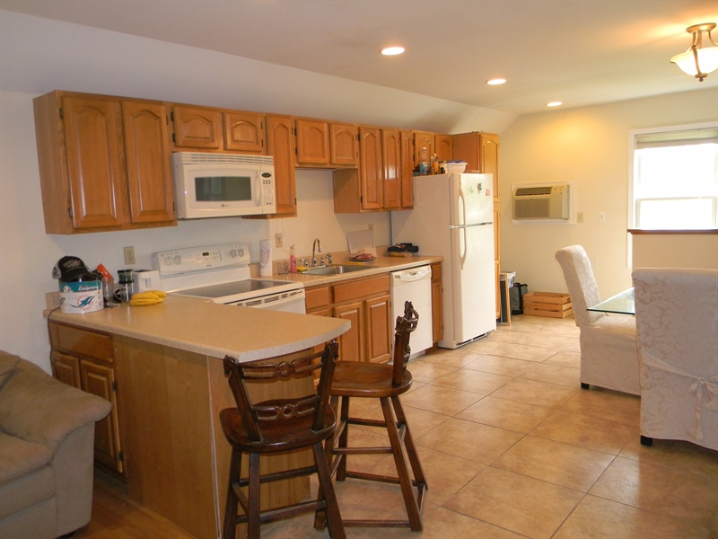 Real Estate Photography - 85 Rolling Green Ln, Elkton, MD, 21921 - Guest Suite Kitchen